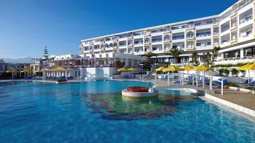 Zwembad Serita Beach Hotel