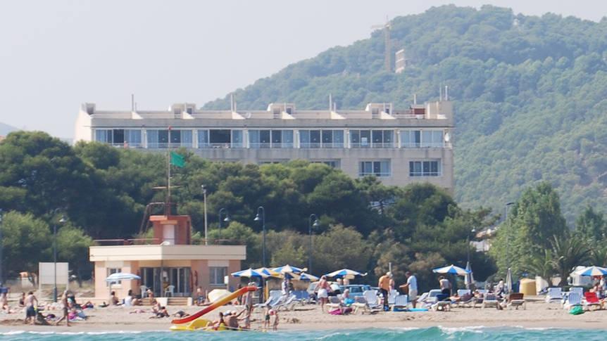 Gebouw vanaf zee gezien Appartementen Mirasol