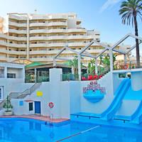 Zwembad en gebouw