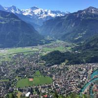 Interlaken, Matten en Wilderwil met Eiger, Moench en Jungfrau
