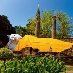 shutterstock 42896788 Reclining Buddha Ayutthaya