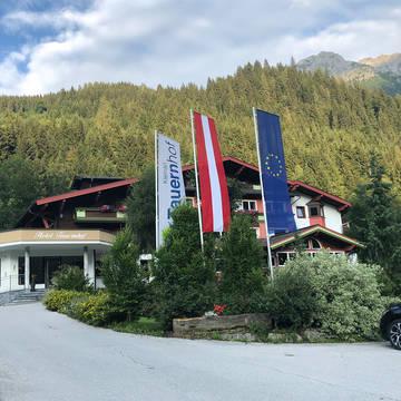 Vooraanzicht Hotel Tauernhof