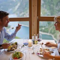 Diner in het panorama restaurant