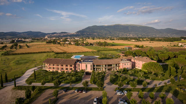 Bovenaanzicht hotel Hotel Valle di Assisi Resort