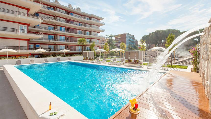 Buitenzwembad Appartementen Adagio Rome Vatican