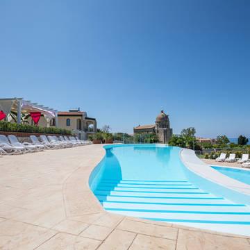 Zwembad Michelizia Tropea Resort