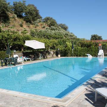 Zwembad 4 Agriturismo Valle Alcantara