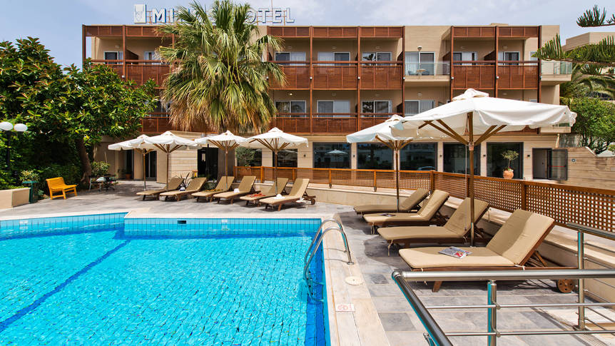 Zwembad Minos Hotel
