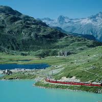 Bernina Express bij Lago Bianco