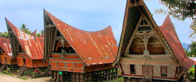 Batak huizen op Samosir eiland