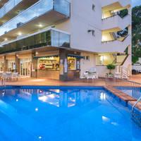 Zwembad bij de appartementen