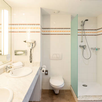 Badkamer Hotel Ilunion Valencia 4