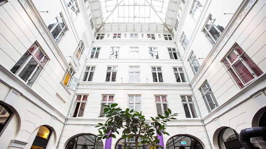 Binnenplaats First Hotel Kong Frederik