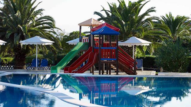 Roda Beach Resort & Spa - Zwembad Roda Beach Resort & Spa
