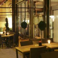 Restaurant bij nacht