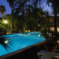 Zwembad 's avonds 2