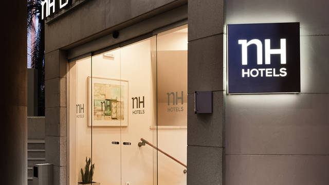 Ingang Hotel NH Valencia Las Ciencias