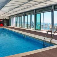 Hotel Baia zwembad
