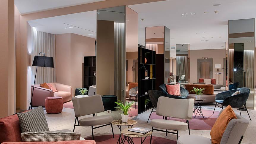 Lobby bij receptie Hotel NH Bologna de la Gare