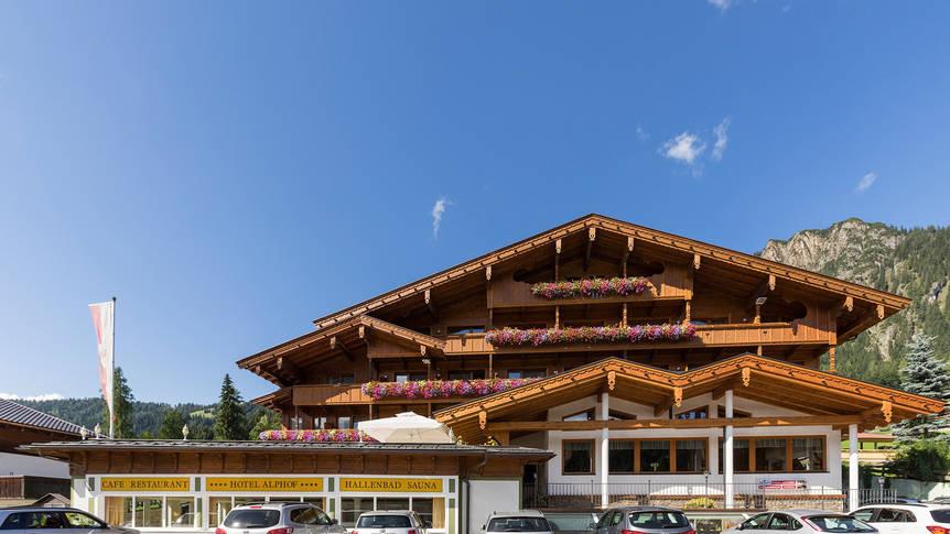 Vooraanzicht Hotel Alphof