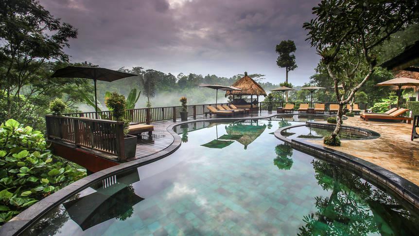 Zwembad Nandini Jungle Resort