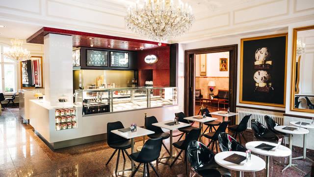 Café Hotel California am Kurfürstendamm