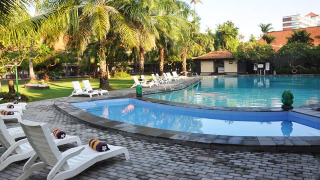 Zwembad Inna Bali Beach Garden