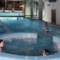 Piscina climatizada-Heated swimming pool