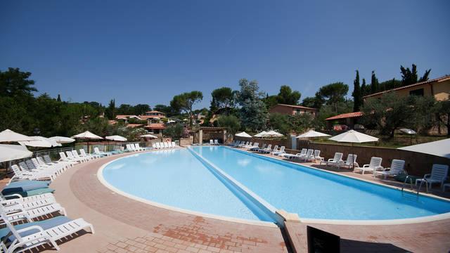 Zwembad Centro Vacanze Il Borgo