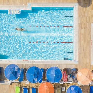 Zwembad Kosta Palace City Hotel
