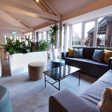Lounge Waterloo Hub Hotel & Suites