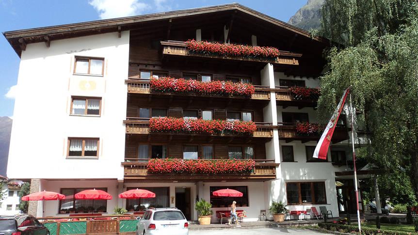 Buitenaanzicht Hotel Kaunertalerhof