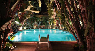 Zwembad 's avonds 3