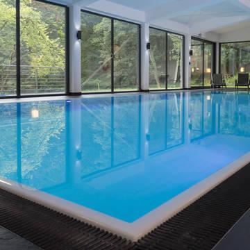 Overdekt zwembad Waldhotel Berghof