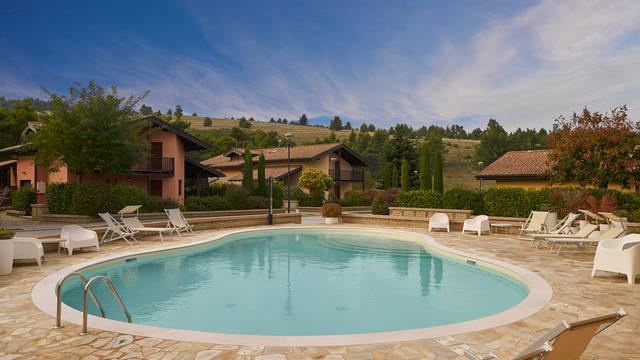 Zwembad Villa's Case Vacanza Pinonero