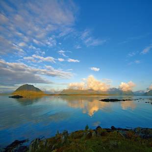 Noord Noorwegen ondergaande zon