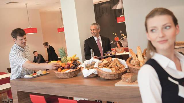 Ontbijtruimte Hotel Ibis Milano Centro