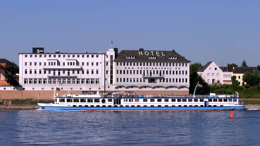 Hotel am Rhein voorzijde Am Rhein