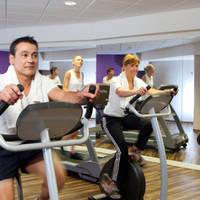 Fitnessruimte met gasten