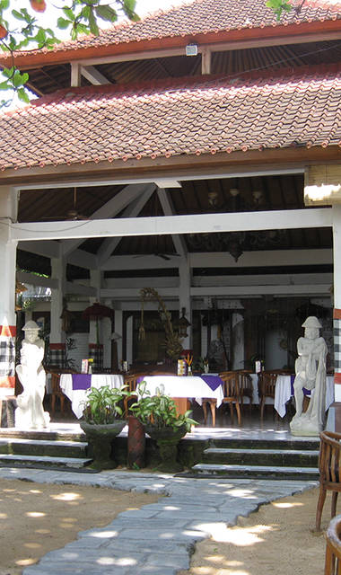 Parigata Villa's