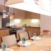 Voorbeeld chalet woonkamer en keuken