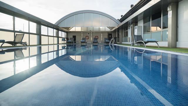 Buitenzwembad Hotel SH Valencia Palace