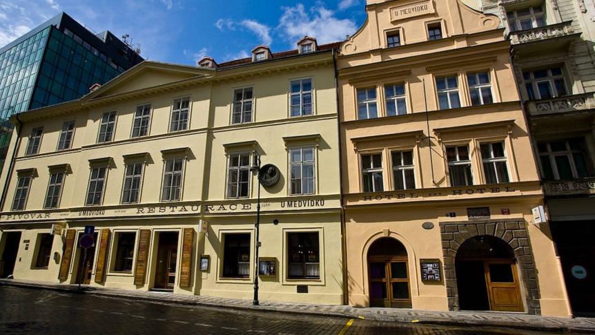 Voorkant Hotel U Medvidku