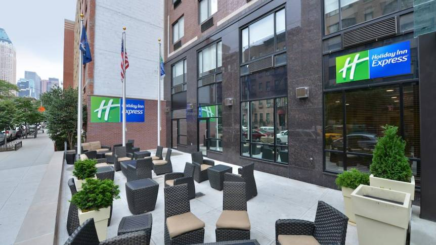 Ingang Hotel Holiday Inn Express Manhattan Midtown West