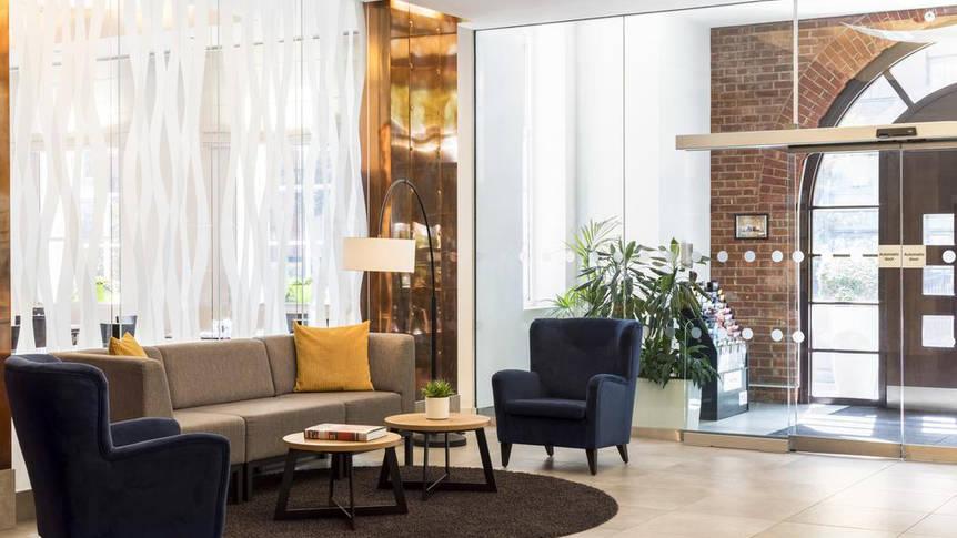 Lobby Hotel NH Kensington