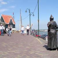 Op de dijk bij Volendam