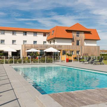 Buitenzwembad Hotel Ibis De Haan