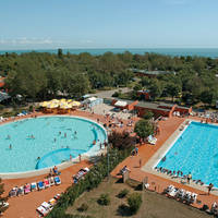 Zwembad 8