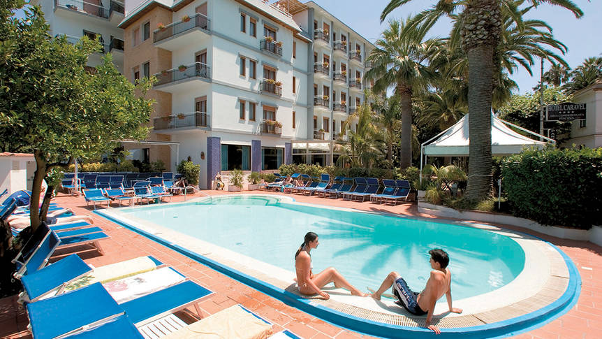 Zwembad1 Hotel Caravel