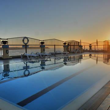 Zwembad Luna Holiday Complex